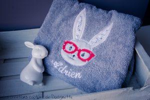 serviette de toilette lapin personnalisee