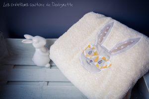 serviette de toilette lapin jaune