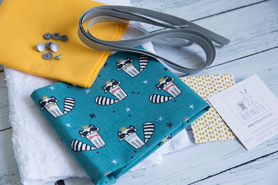 kit couture pour bébé pochon gouter evolutif en bavoir dodynette